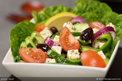 Mediterranean Diet May Lower Alzheimer's Risk
