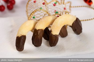 Christmas Chocolate Viennese Crescent Cookies