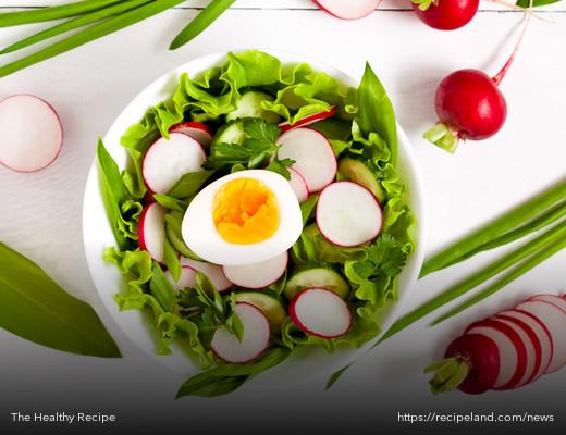 One Essential Salad Ingredient That Helps You Absorb Vitamins