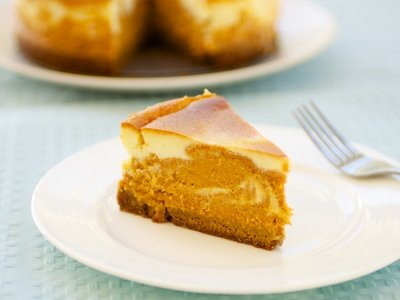 Kahlua Marbled Pumpkin Cheesecake