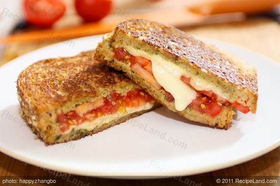 Basil Pesto Caprese Grilled Cheese Sandwich