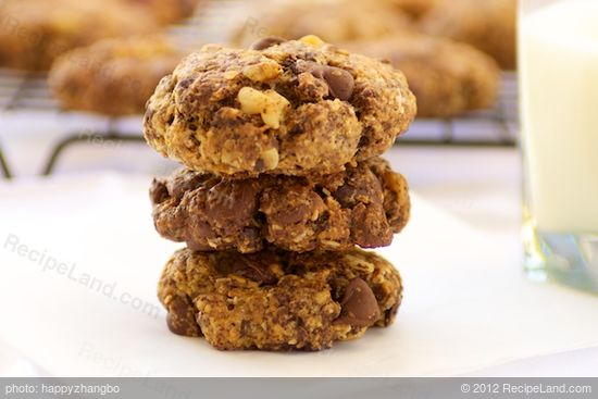Neiman-Marcus Oatmeal Chocolate Chip Cookies