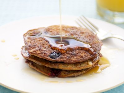 Oatmeal and Berry Pancakes