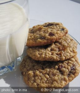Amazingly Soft Oatmeal Cookies