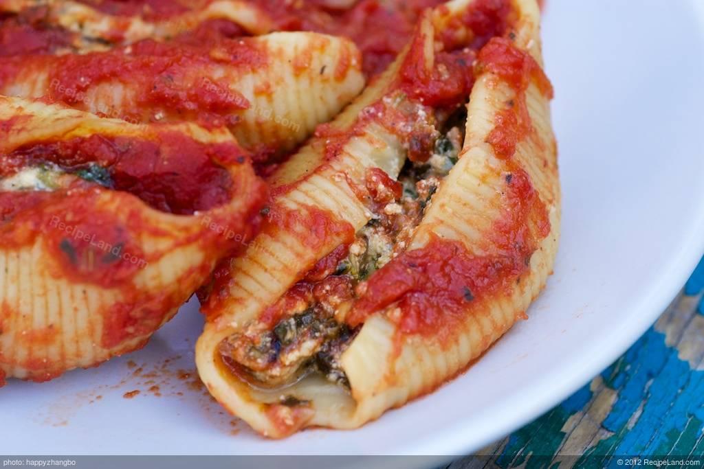 Spinach Stuffed Shells Recipe Recipeland Com