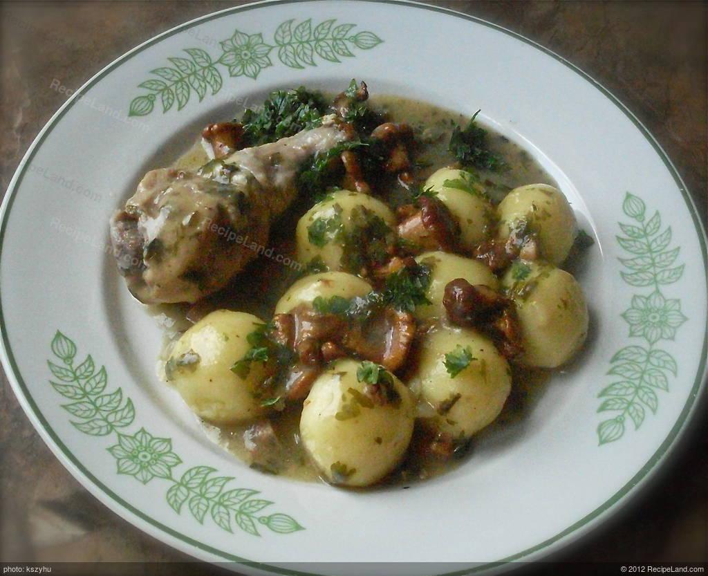 Chicken Drumstick In Chanterelle Sauce With Steamed Potato Dumplings Recipe