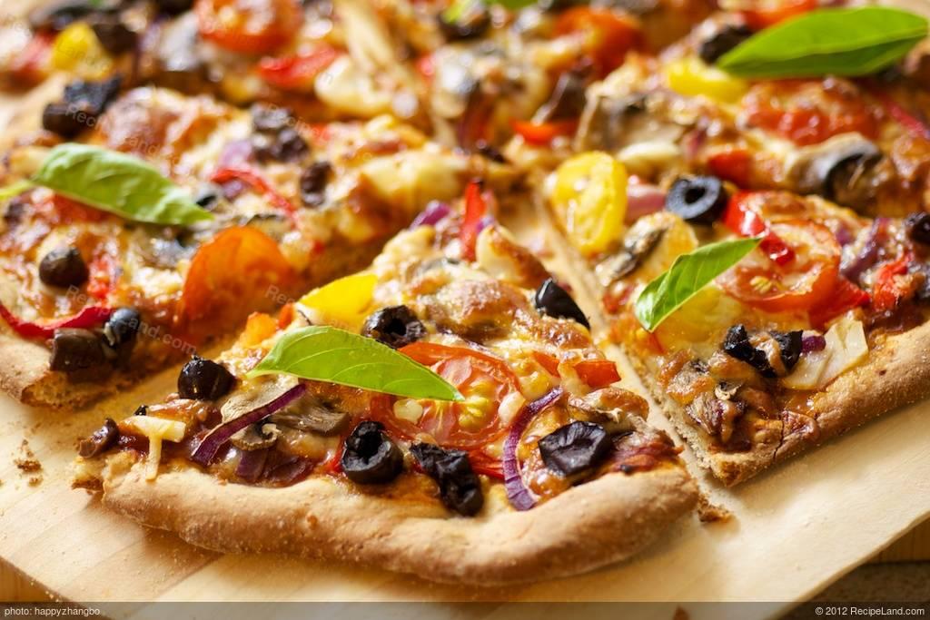 cherry tomato mushroom and olive pizza recipe. Black Bedroom Furniture Sets. Home Design Ideas