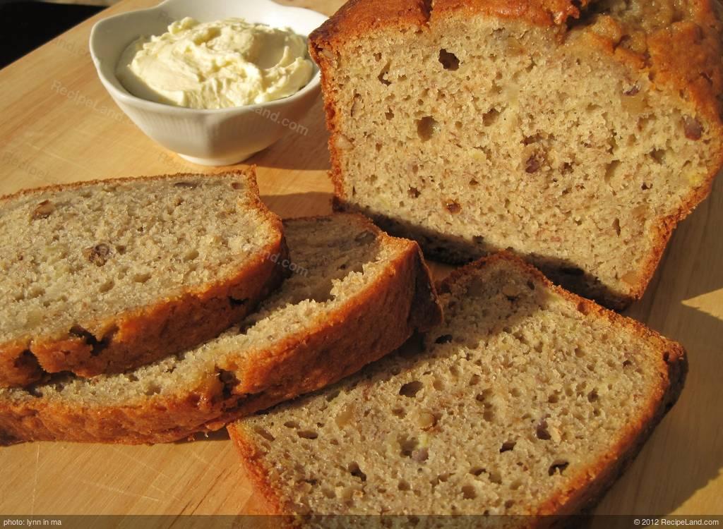 how to make banana nut bread