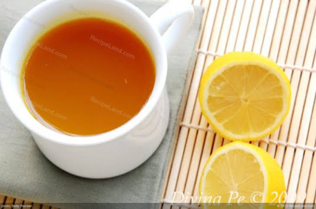 Turmeric, Ginger and Lemon Tonic Tea