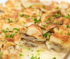 Homestyle Scalloped Potatoes and Mushrooms