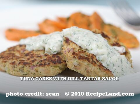 Tuna Cakes with Dill Tartar Sauce