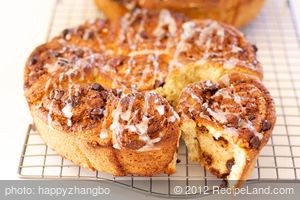 Chocolate and Nut Cinnamon Rolls