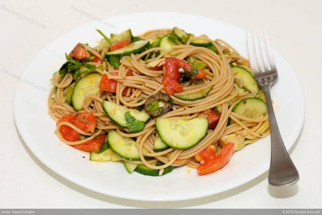 Artichoke Hearts, Cucumber, and Tomato Pasta Recipe