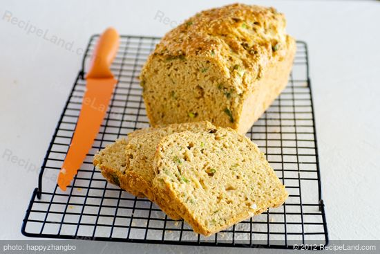 Beer Cheddar Onion Bread