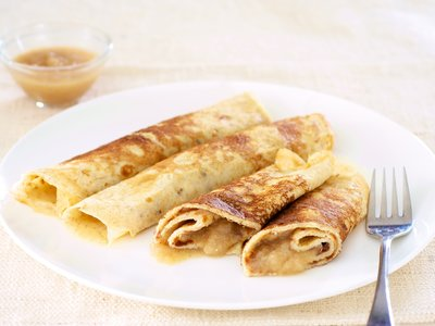 12-Grain Crepes with Warm Applesauce