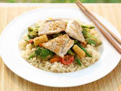 Wok-Seared Mahi Mahi with Stir-Fried Vegetables
