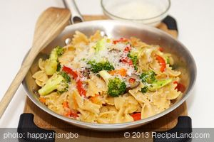 Warm Pasta with Broccoli, Bell Pepper and Parmesan