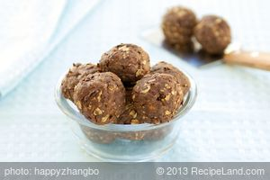 Oats, Peanut Butter and Chocolate Cookie Balls