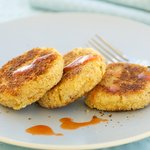 Cheddar Salmon Cakes