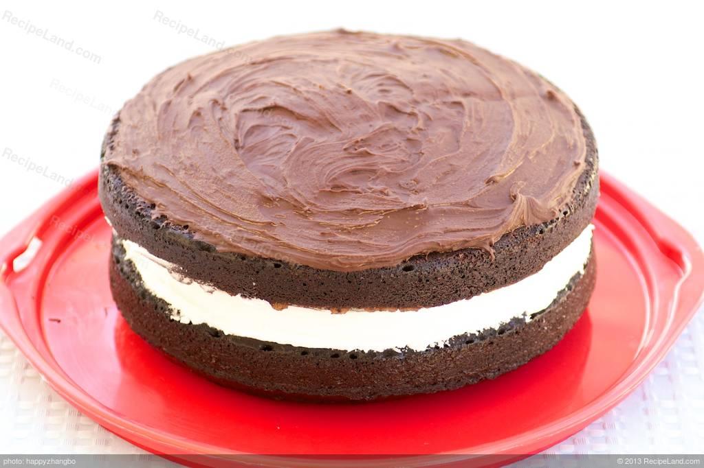 Moist Chocolate Cake With Marshmallow Cream And Chocolate