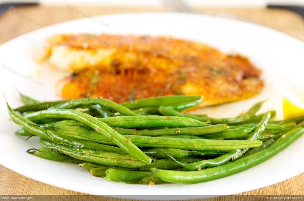 Lemony-Garlicky Green Beans Recipe