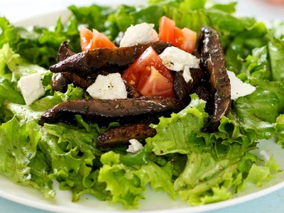 Grilled Portobello Salad with Goat Cheese