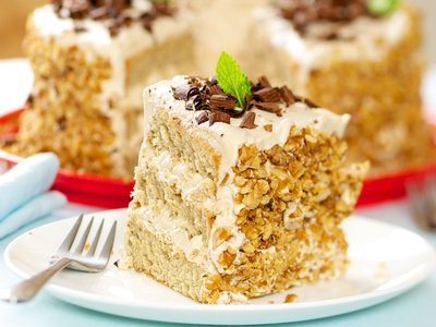 Coffee Cream Cake with Coffee Meringue Filling