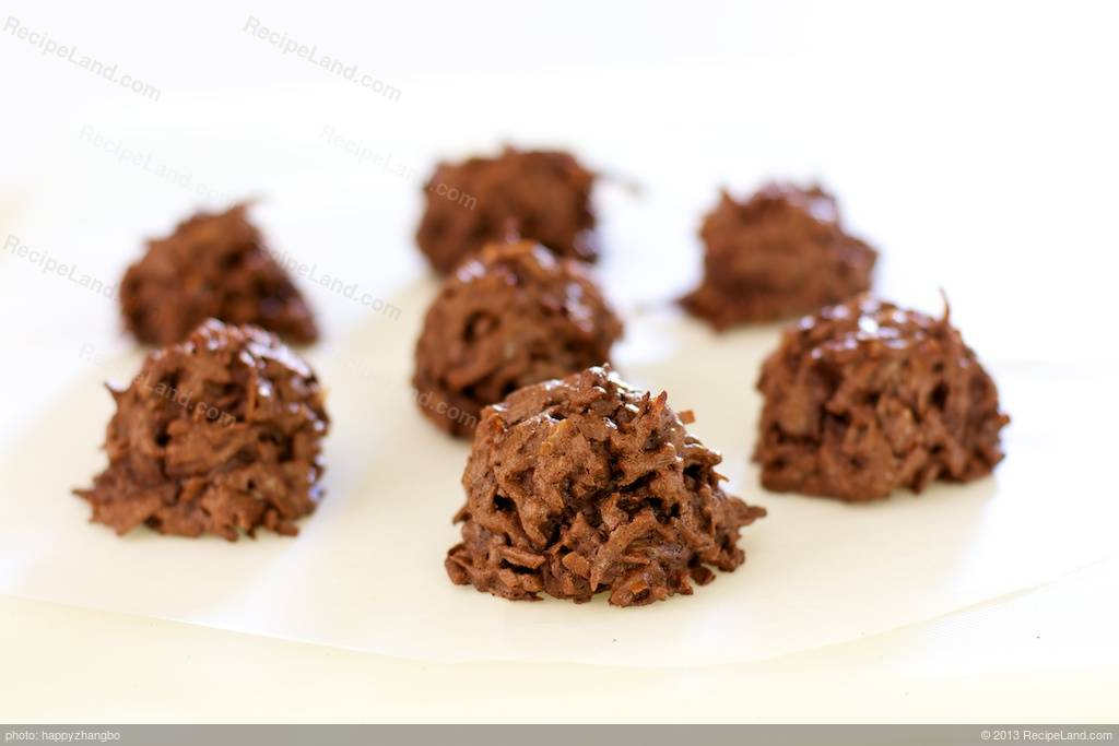 Chocolate and Coconut Macaroons Recipe