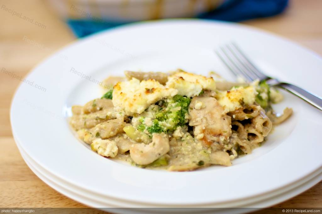 Ricotta Chicken, Noodle and Broccoli Casserole Recipe