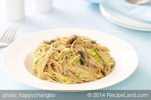 Creamy Fettuccine with Brussels Sprouts and Mushrooms