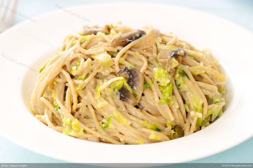 Creamy Fettuccine with Brussels Sprouts and Mushrooms Recipe