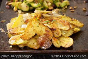 Garlicky Roasted Fingerling Potatoes