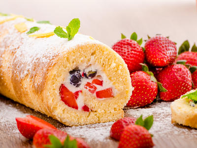 Strawberries 'N Cream Cake Roll