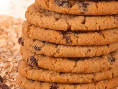 Big and Soft Raisin-Oatmeal Cookies