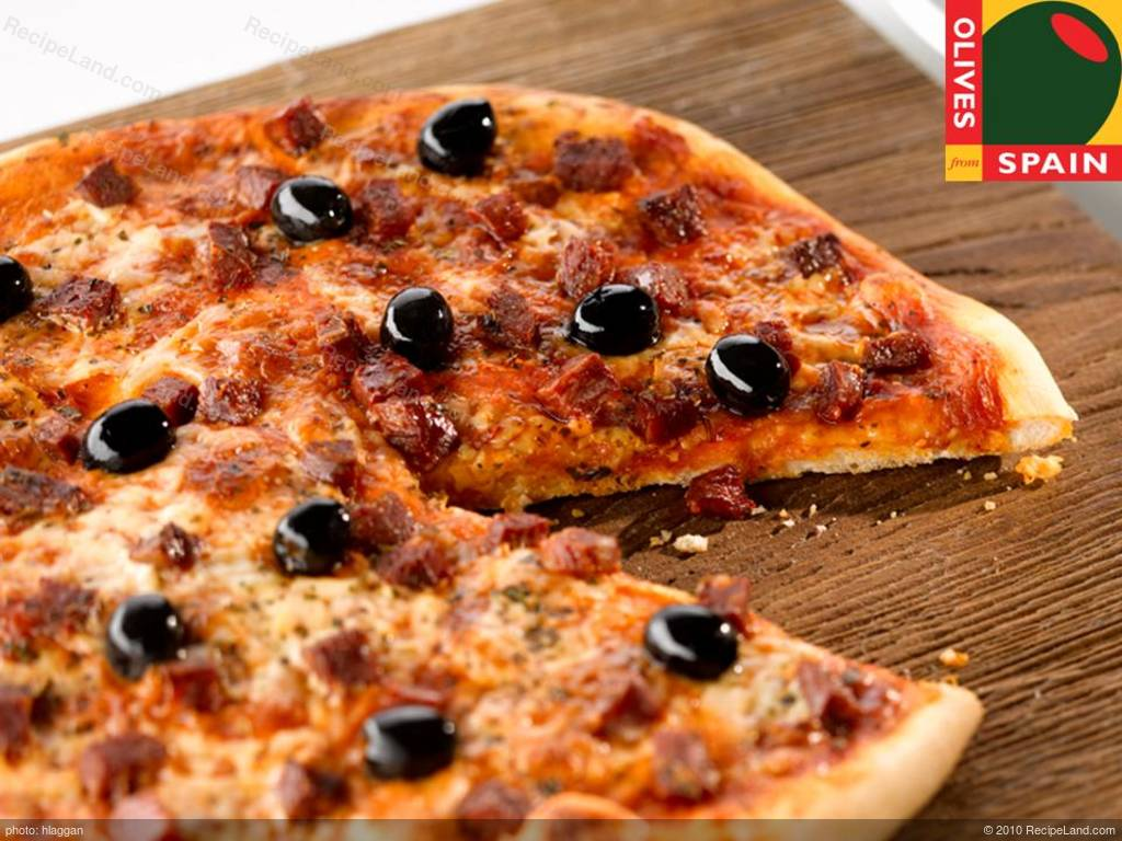chorizo and black olive pizza recipe. Black Bedroom Furniture Sets. Home Design Ideas