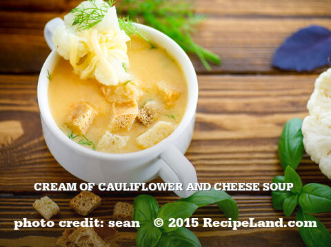 Cream of Cauliflower and Cheese Soup