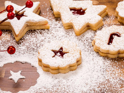 Christmas Nutty Linzer Cookies