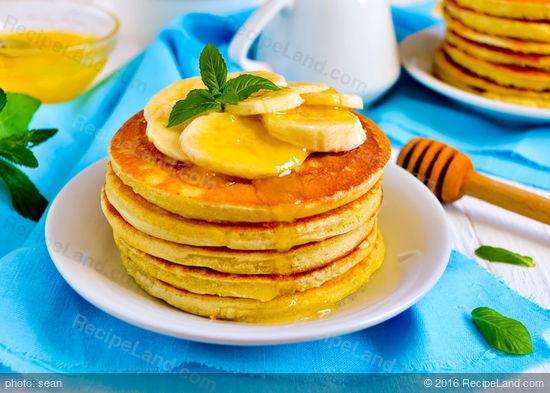 Awesome Breakfast Cornmeal Pancakes