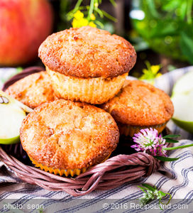 Favourite Breakfast Apple Muffins