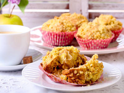 Streusel Snack Apple Muffins