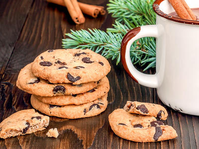 Big Soft Chocolate Chip Cookies