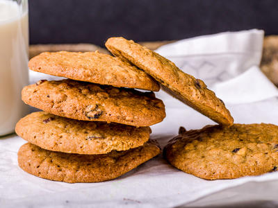 Tom's Oatmeal Peanut Butter Chocolate Cookies