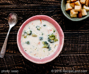 Cream Cheese Broccoli Onion Soup