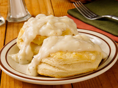 Buttermilk Biscuits with Country Milk Gravy