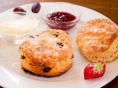 Oatmeal Currant Buttermilk Drop Biscuits