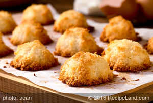 Easy Yummy Coconut Macaroons