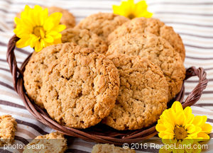 Alice's Peanut Butter and Oatmeal Cookies