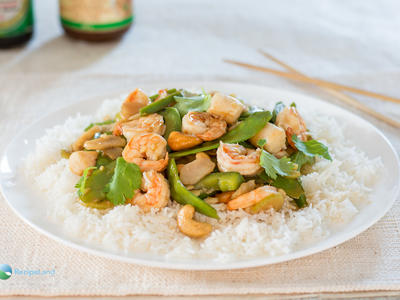 Ginger Shrimp with Snow Peas and Water Chestnuts