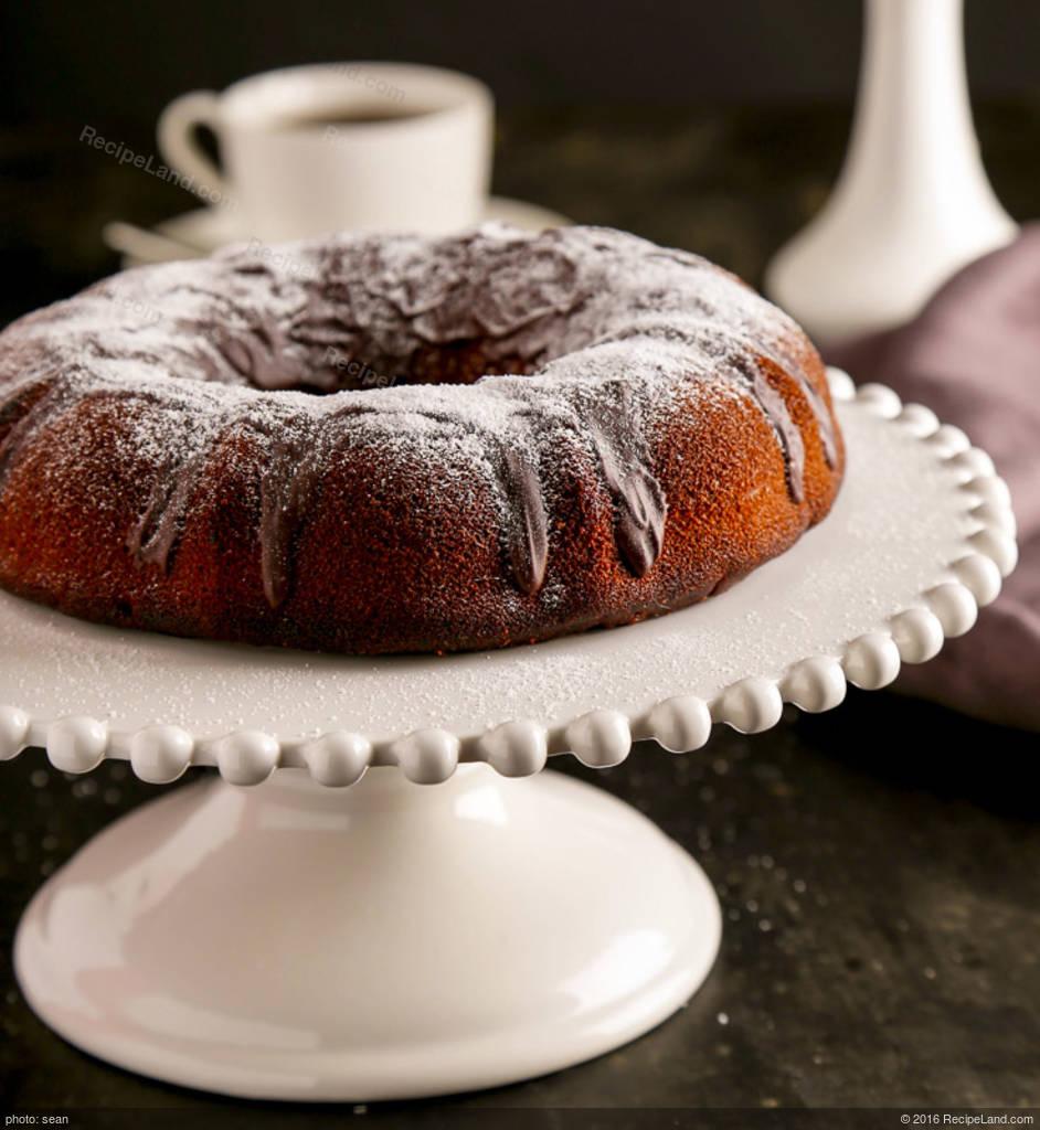 Kahlua Cake With Sour Cream And Pudding