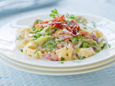 Tortellini with Peas and Prosciutto